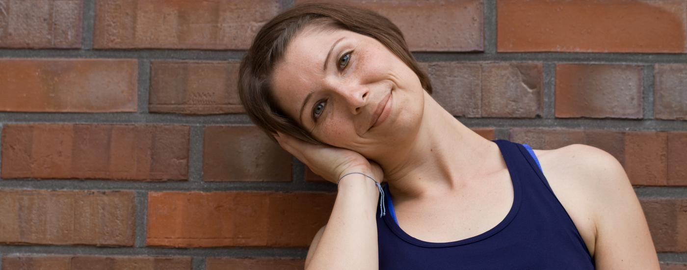 Hansa Yoga – Forrest Yoga mit Katharina Rodewald, Basic move entspannter Nacken, relaxed neck