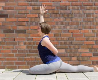 Hansa Yoga – Forrest Yoga mit Katharina Rodewald, Queen Pigeon Stage One © Günter Kupich, Hamburg