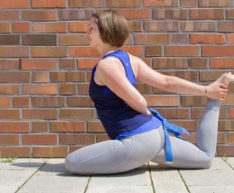 Hansa Yoga – Forrest Yoga mit Katharina Rodewald, Queen Pigeon Stage Two © Günter Kupich, Hamburg
