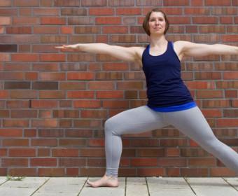 Hansa Yoga – Forrest Yoga mit Katharina Rodewald, Warrior two, Krieger Zwei © Günter Kupich, Hamburg