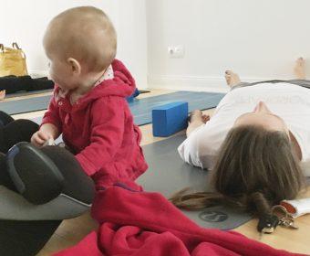 Postnatal Yoga Forrest Yoga für Mama mit Baby bei Hansa Yoga mit Katharina in Hamburg Barmbek, Winterhude