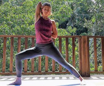 Hansa Yoga Forrest Yogalehrerin Stephanie Pelser Hamburg Winterhude Archer Warrior