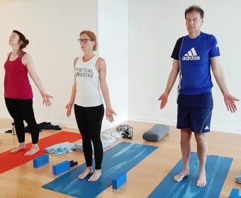 Yoga für natürliches Entgiften & einen aktiven Fettstoffwechsel mit Maren Ellssel