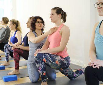 Hansa Yoga Neuer Yogakurs Mond Flow Yoga mit Paula Hamburg Winterhude Barmbek